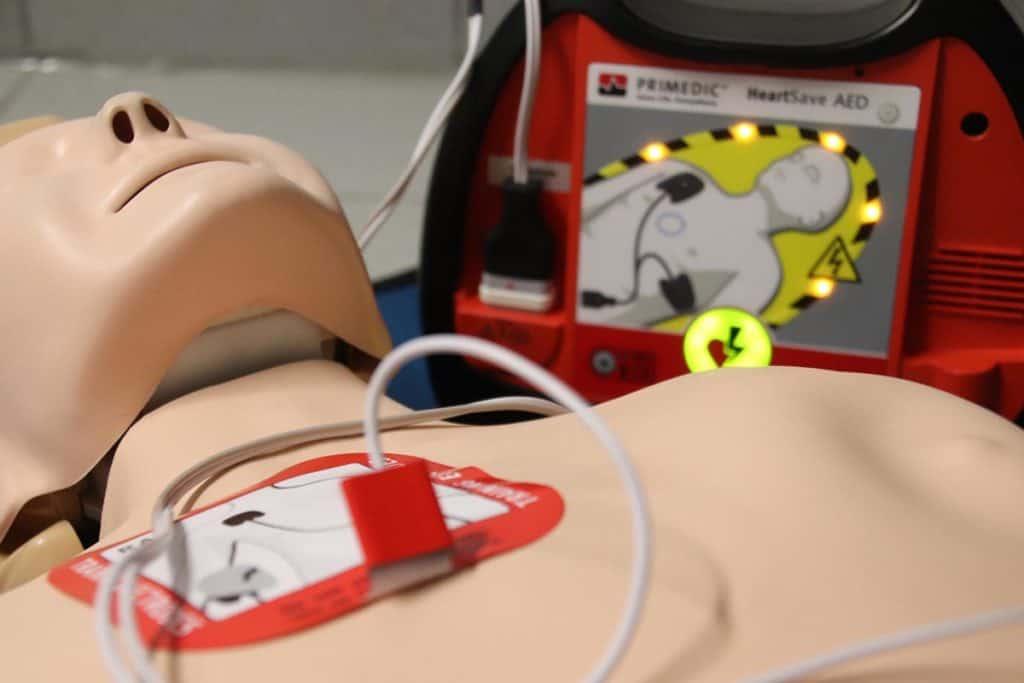 AED pierwsza pomoc