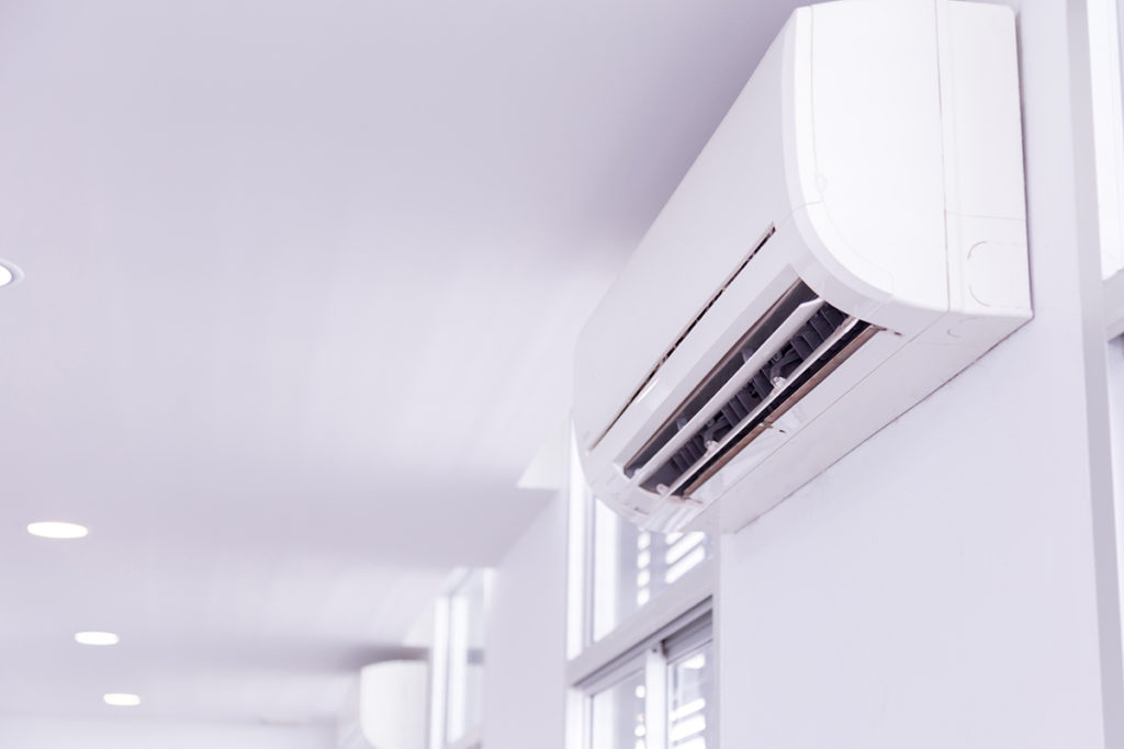 Czy stosowanie klimatyzacji zwiększa ryzyko zakażeń SARS-CoV-2?