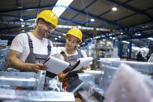 Kiedy służba bhp jest niezbędna w zakładzie pracy?