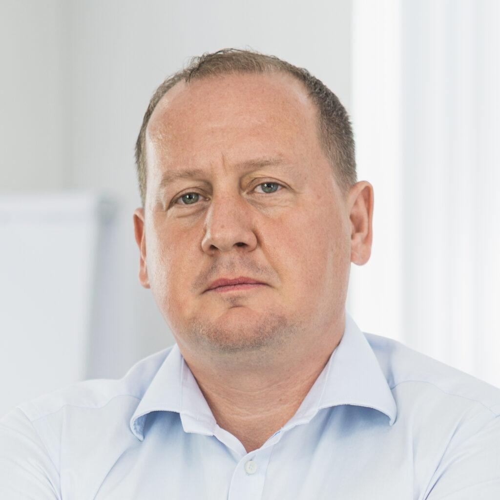 Mariusz Stryniak VDA QMC